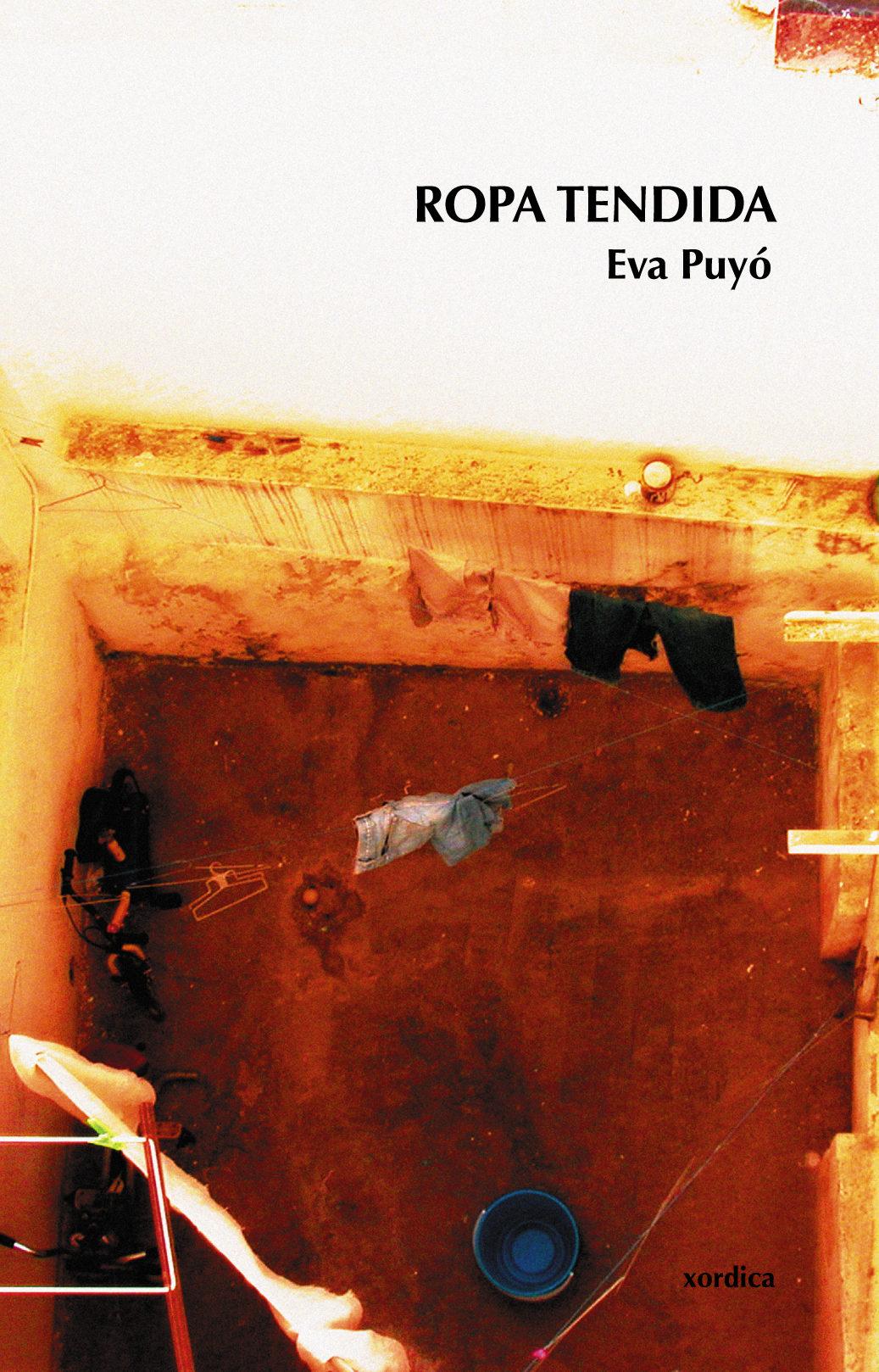 Ropa Tendida por Eva Puyo